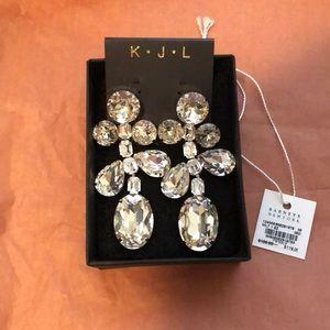 Kenneth Jay Lane: White crystal drop earrings